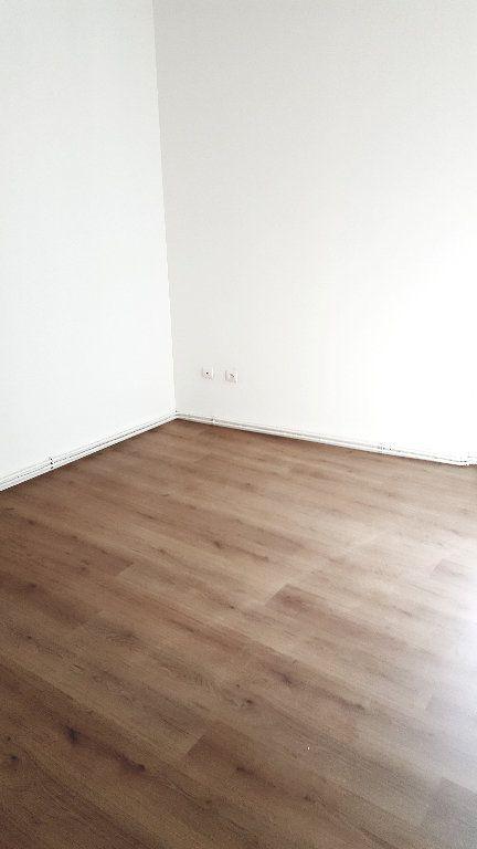 Appartement à louer 3 63.2m2 à Carcassonne vignette-6