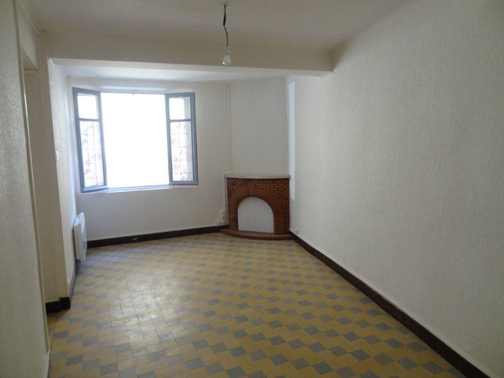 Maison à louer 4 65m2 à Cournanel vignette-2