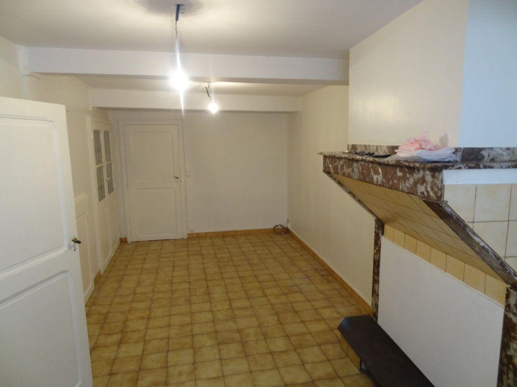 Maison à louer 4 65m2 à Cournanel vignette-4