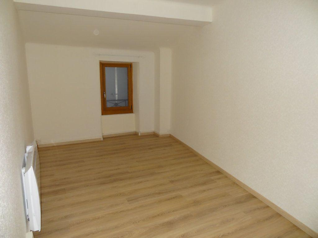 Maison à louer 4 65m2 à Cournanel vignette-5