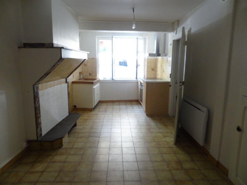 Maison à louer 4 65m2 à Cournanel vignette-7