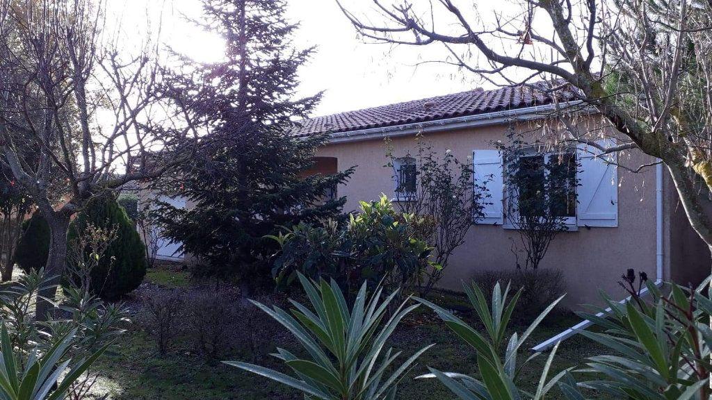 Maison à vendre 4 116m2 à Lauraguel vignette-8