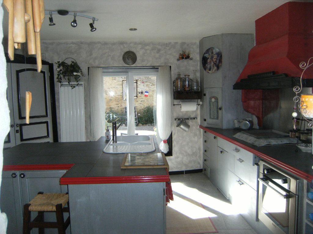 Maison à vendre 4 133m2 à Castelreng vignette-7