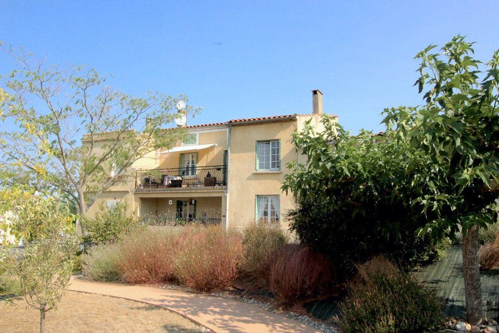 Maison à vendre 5 137m2 à Ferran vignette-1