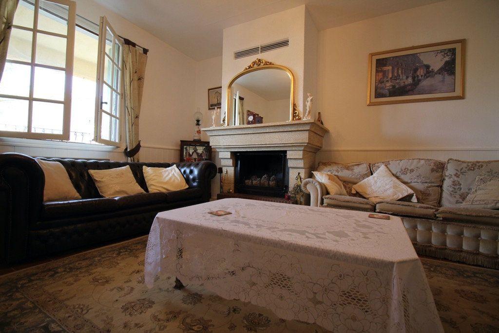 Maison à vendre 5 137m2 à Ferran vignette-4