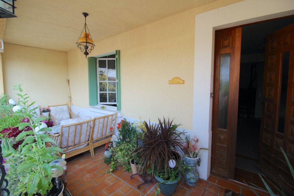 Maison à vendre 5 137m2 à Ferran vignette-12
