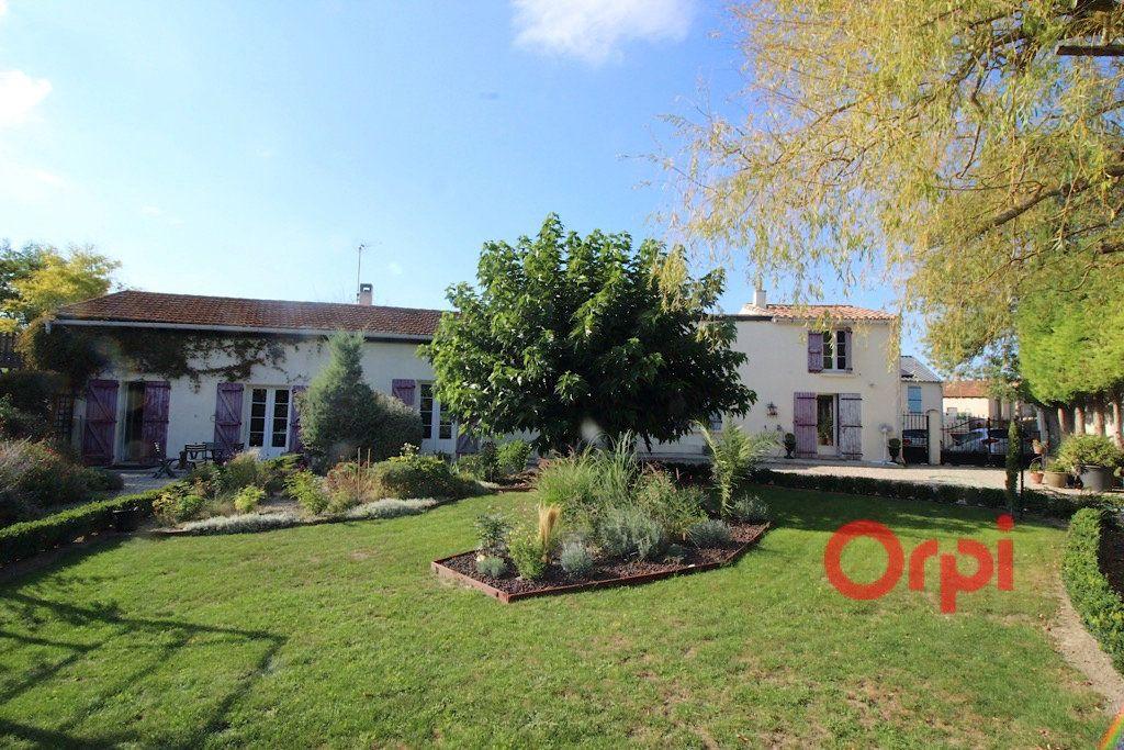 Maison à vendre 8 160m2 à Bellegarde-du-Razès vignette-1