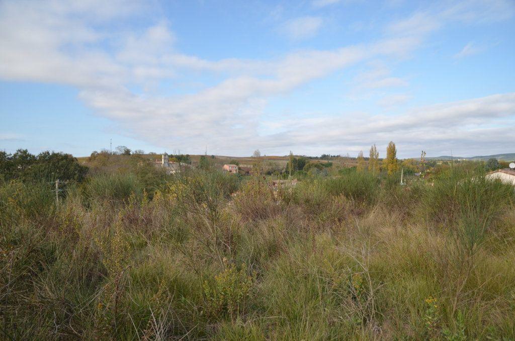 Terrain à vendre 0 2053m2 à Saint-Martin-de-Villereglan vignette-1