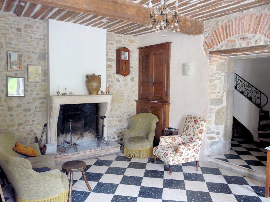 Maison à vendre 12 595m2 à Escueillens-et-Saint-Just-de-Bélengard vignette-6