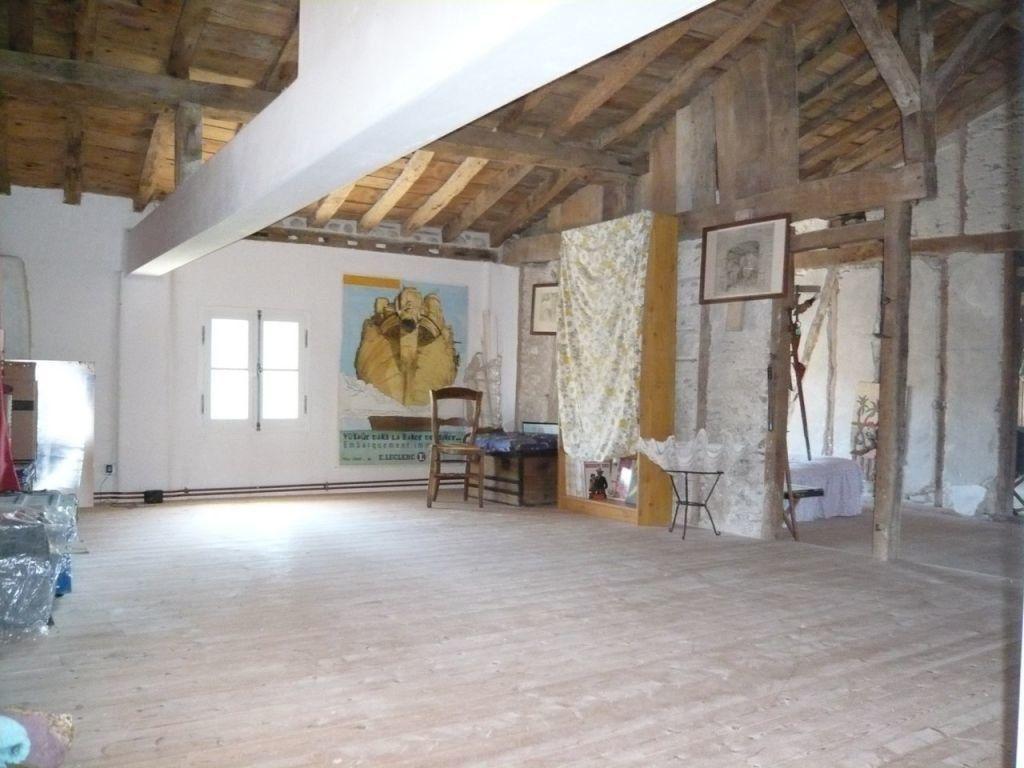 Maison à vendre 12 595m2 à Escueillens-et-Saint-Just-de-Bélengard vignette-8