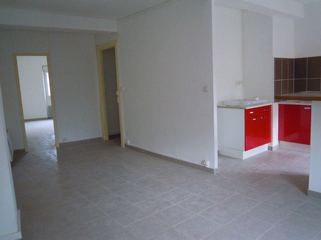 Appartement à louer 2 54.2m2 à Limoux vignette-1