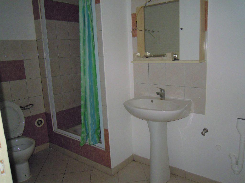 Appartement à louer 2 54.2m2 à Limoux vignette-4