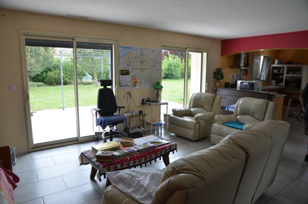Maison à vendre 5 135m2 à La Digne-d'Aval vignette-3