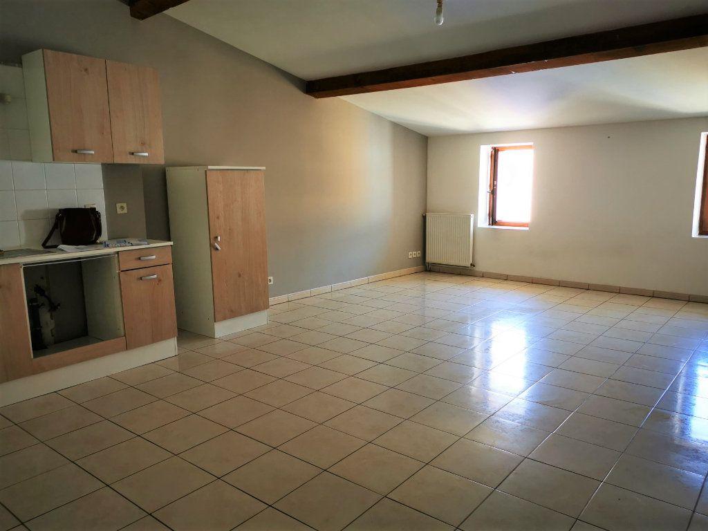 Appartement à louer 3 57m2 à Espéraza vignette-1