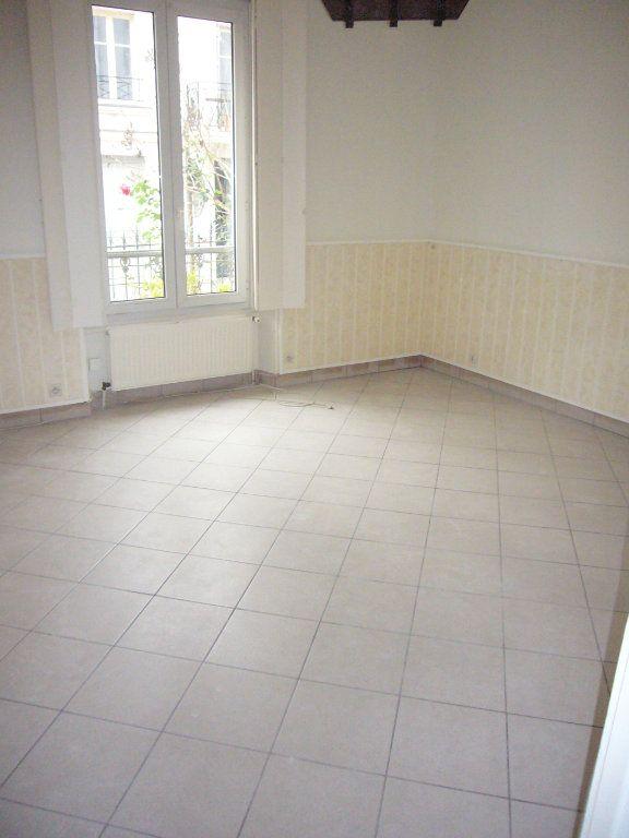 Appartement à louer 2 33.08m2 à Lagny-sur-Marne vignette-3