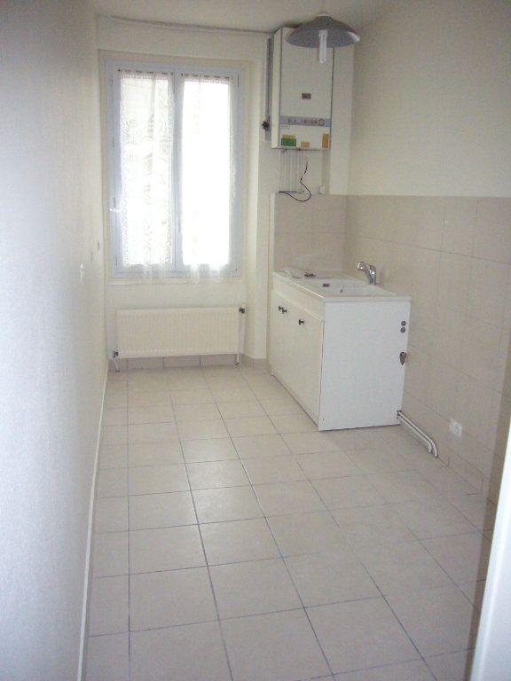Appartement à louer 2 33.08m2 à Lagny-sur-Marne vignette-4