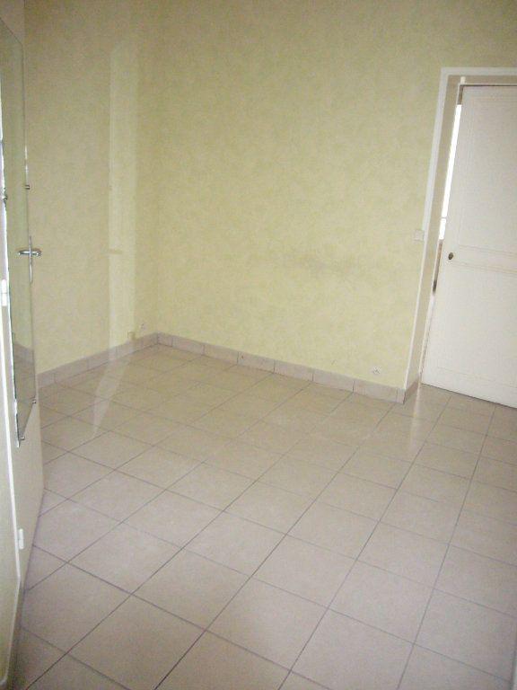 Appartement à louer 2 33.08m2 à Lagny-sur-Marne vignette-6