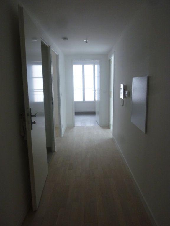 Appartement à louer 3 61.69m2 à Chessy vignette-6