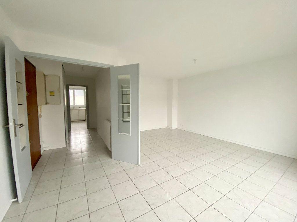 Appartement à louer 2 57.44m2 à Gournay-sur-Marne vignette-1
