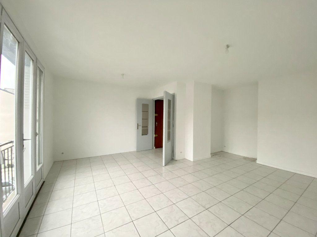 Appartement à louer 2 57.44m2 à Gournay-sur-Marne vignette-2