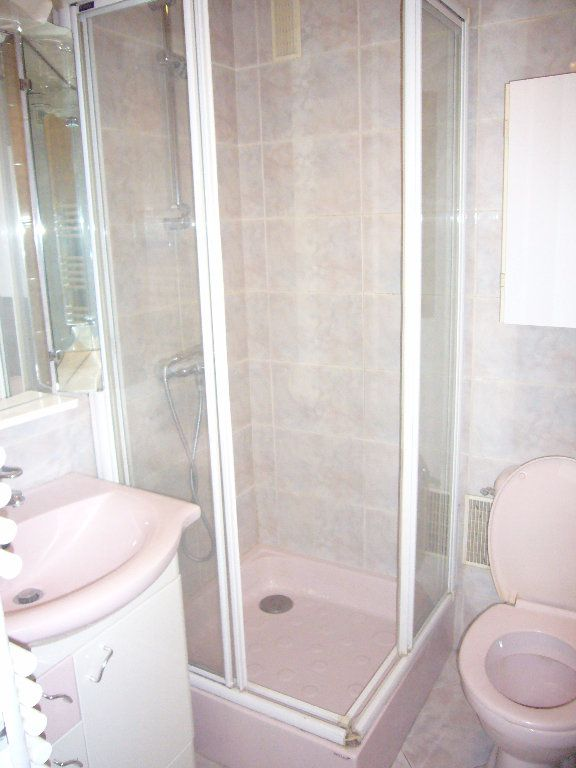Appartement à louer 1 30m2 à Thorigny-sur-Marne vignette-3