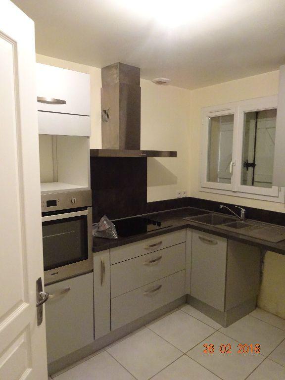Appartement à louer 3 50.32m2 à Champs-sur-Marne vignette-2