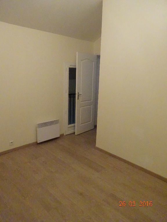 Appartement à louer 3 50.32m2 à Champs-sur-Marne vignette-3
