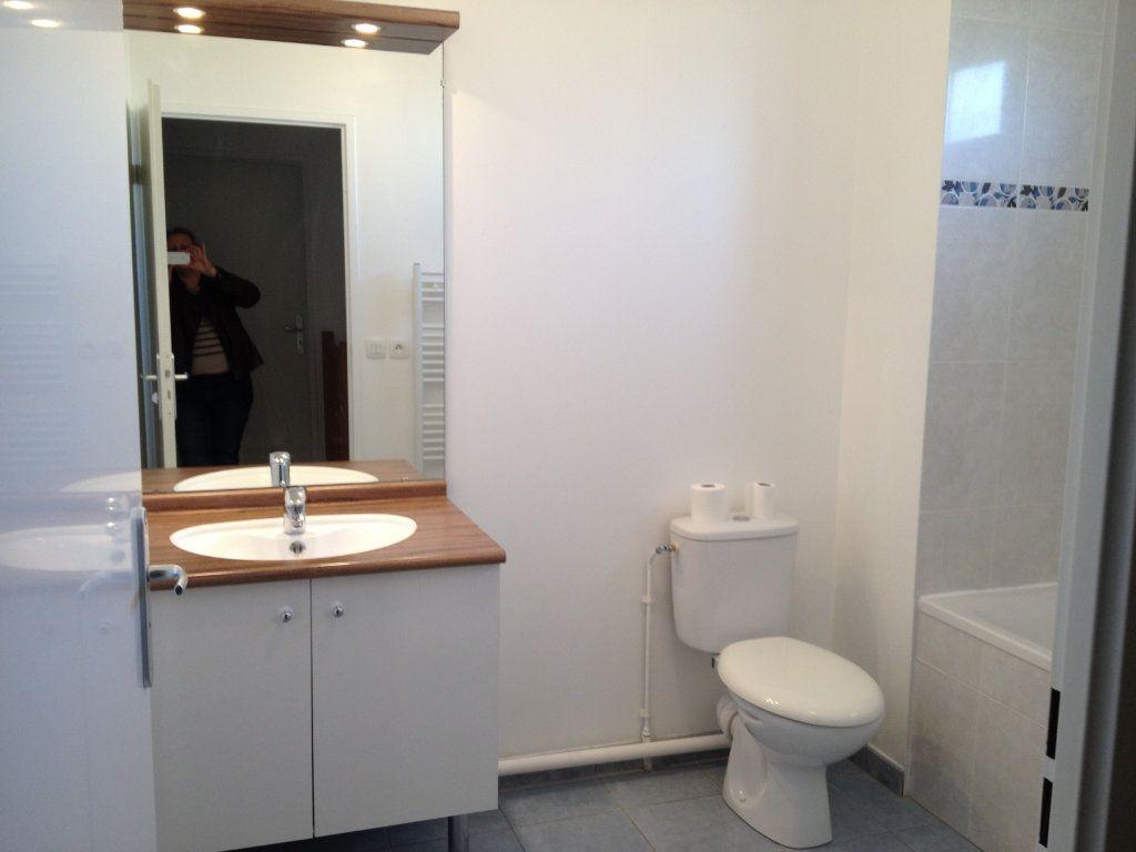Maison à louer 4 81.36m2 à Chanteloup-en-Brie vignette-7