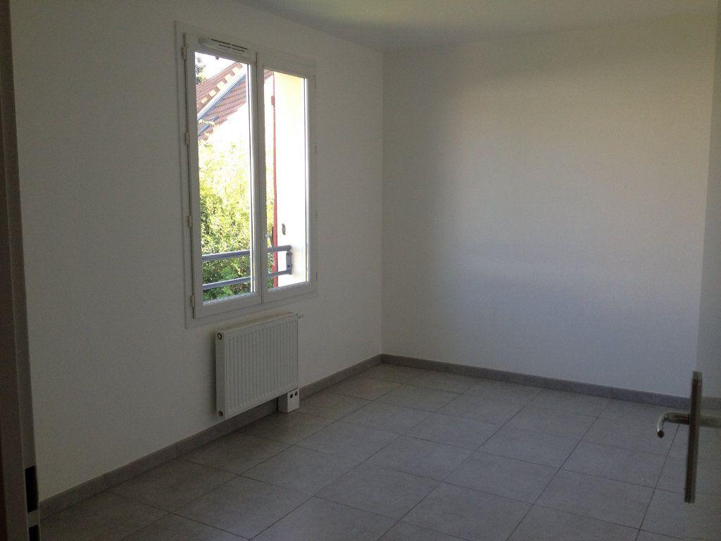 Maison à louer 4 81.36m2 à Chanteloup-en-Brie vignette-8