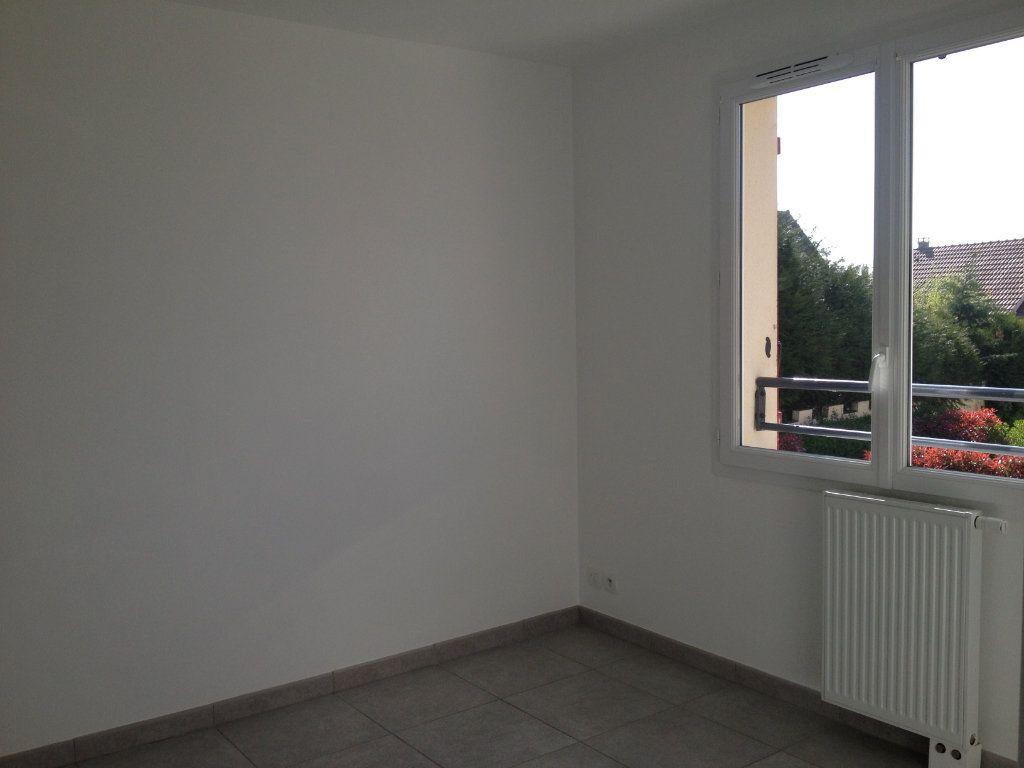 Maison à louer 4 81.36m2 à Chanteloup-en-Brie vignette-9