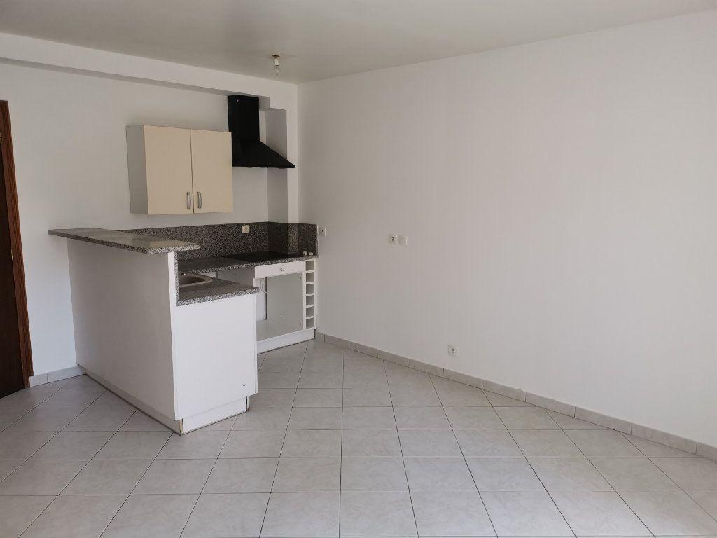 Appartement à louer 3 54.56m2 à Lagny-sur-Marne vignette-1