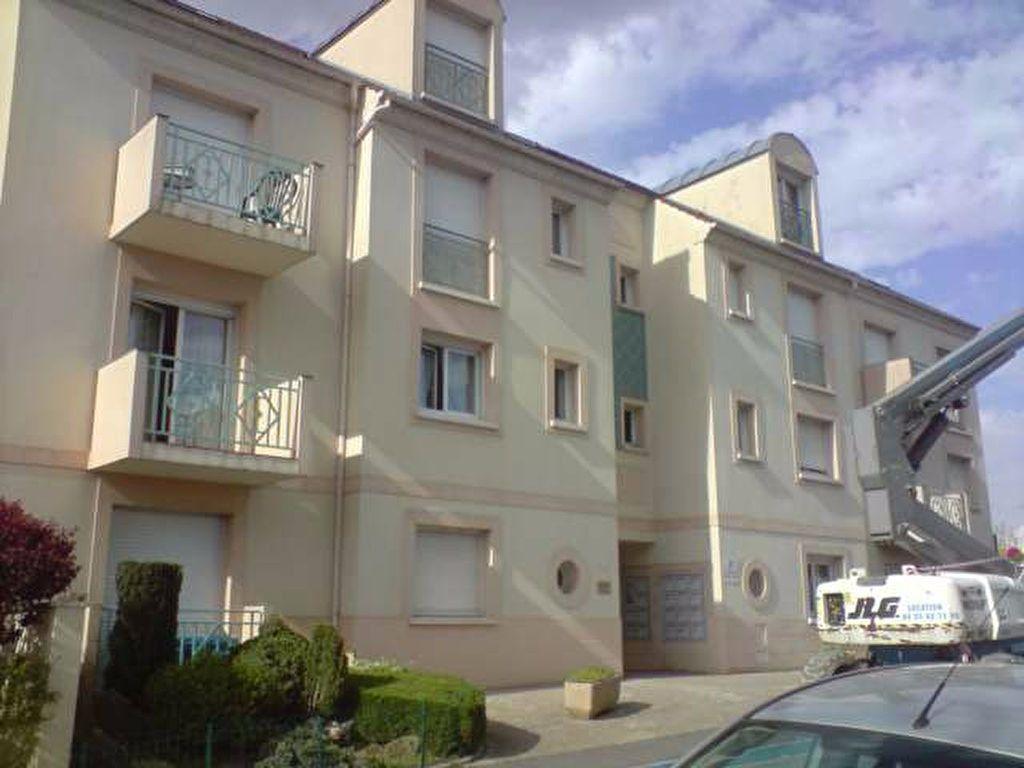 Appartement à louer 1 22m2 à Esbly vignette-2