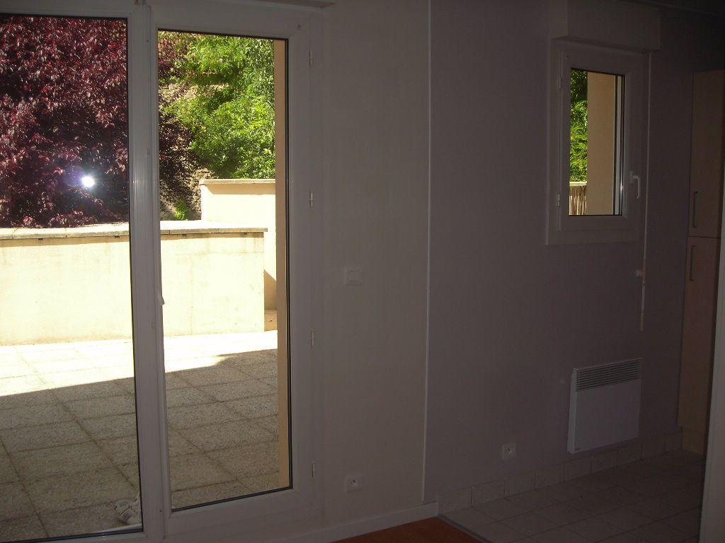 Appartement à louer 1 22m2 à Esbly vignette-3