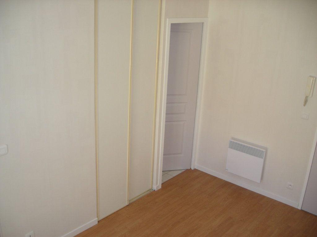 Appartement à louer 1 22m2 à Esbly vignette-4