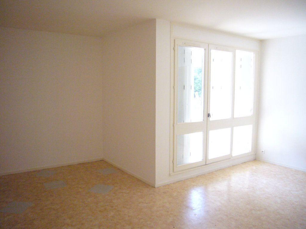 Appartement à louer 3 69.06m2 à Lagny-sur-Marne vignette-1