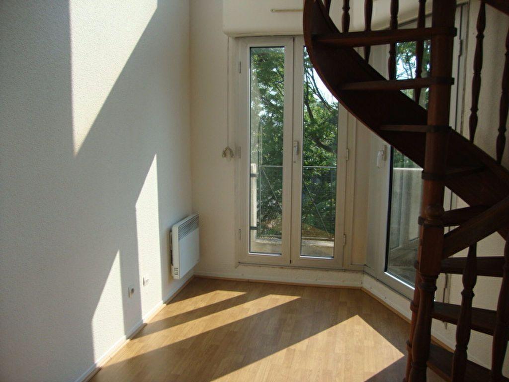 Appartement à louer 2 44.52m2 à Noisy-le-Grand vignette-2