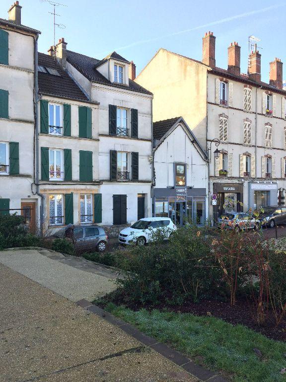 Appartement à louer 2 31.57m2 à Lagny-sur-Marne vignette-3