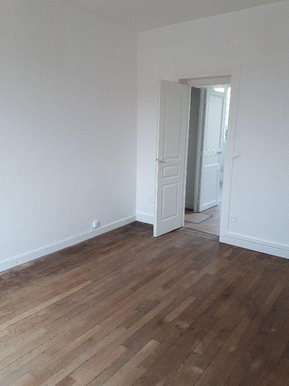 Appartement à louer 2 31.8m2 à Brou-sur-Chantereine vignette-1