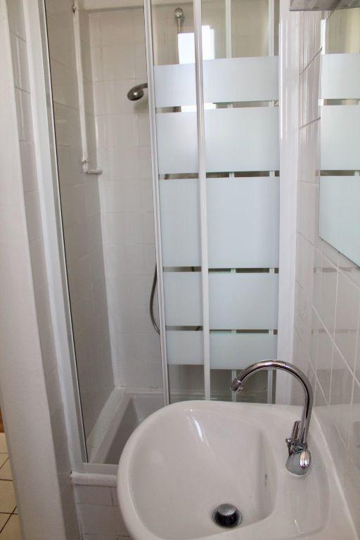 Appartement à louer 2 31.8m2 à Brou-sur-Chantereine vignette-5