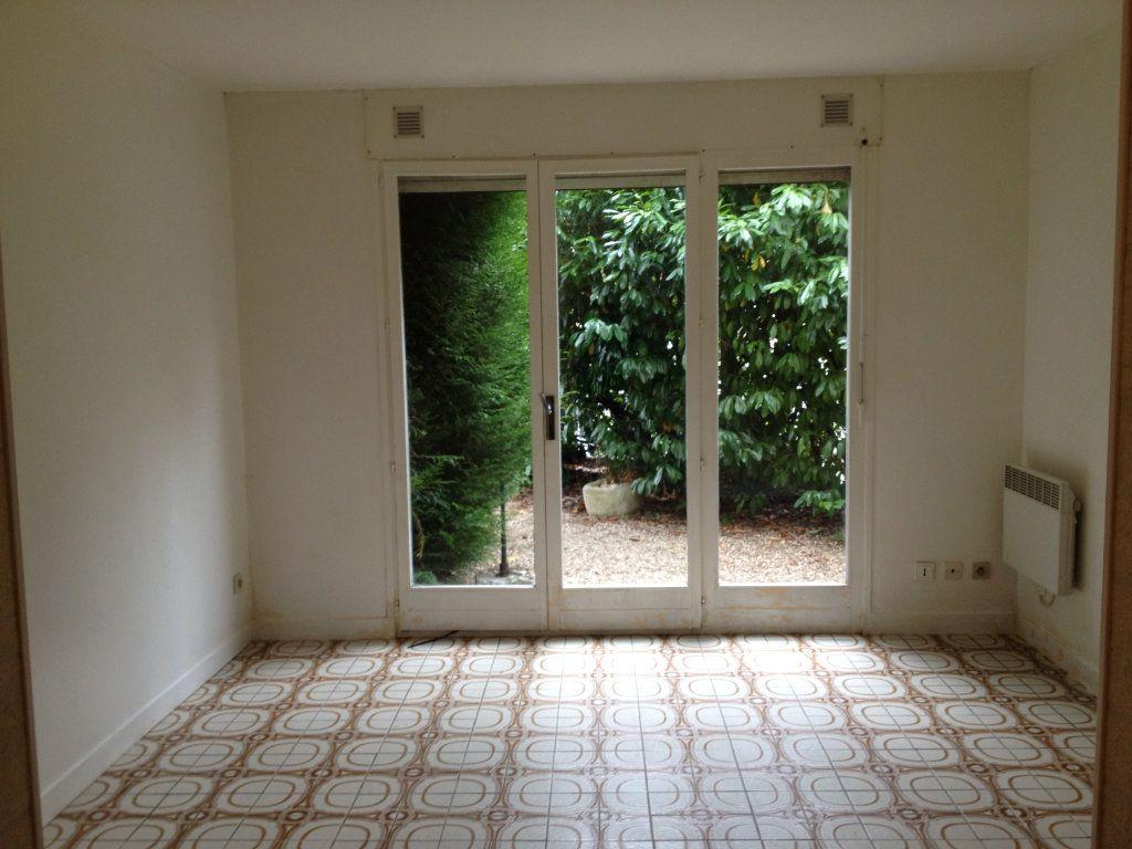 Appartement à louer 1 21.84m2 à Lagny-sur-Marne vignette-2