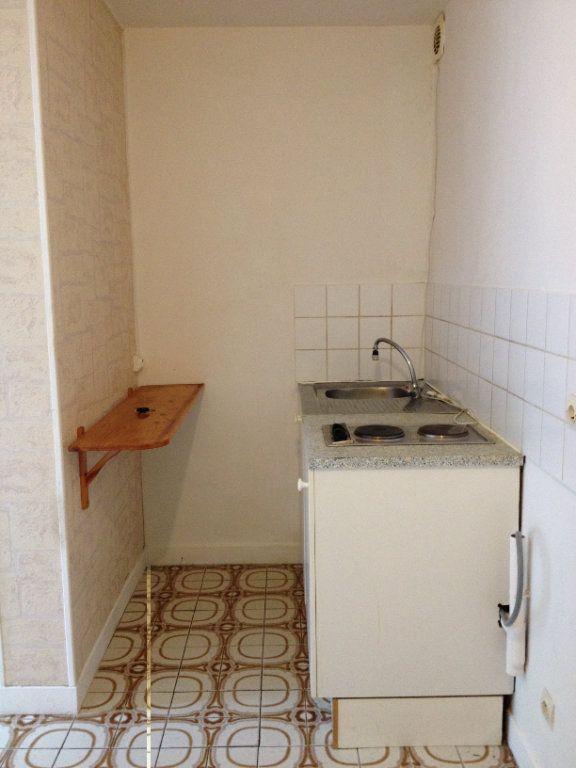 Appartement à louer 1 21.84m2 à Lagny-sur-Marne vignette-3