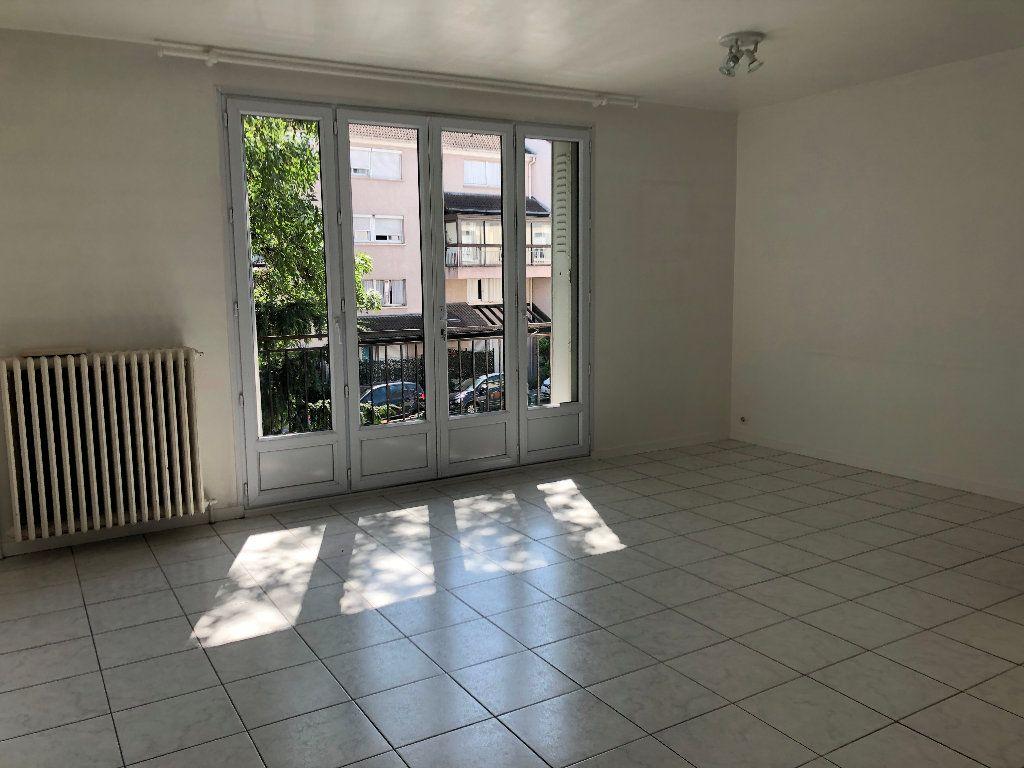 Appartement à louer 2 59m2 à Gournay-sur-Marne vignette-1
