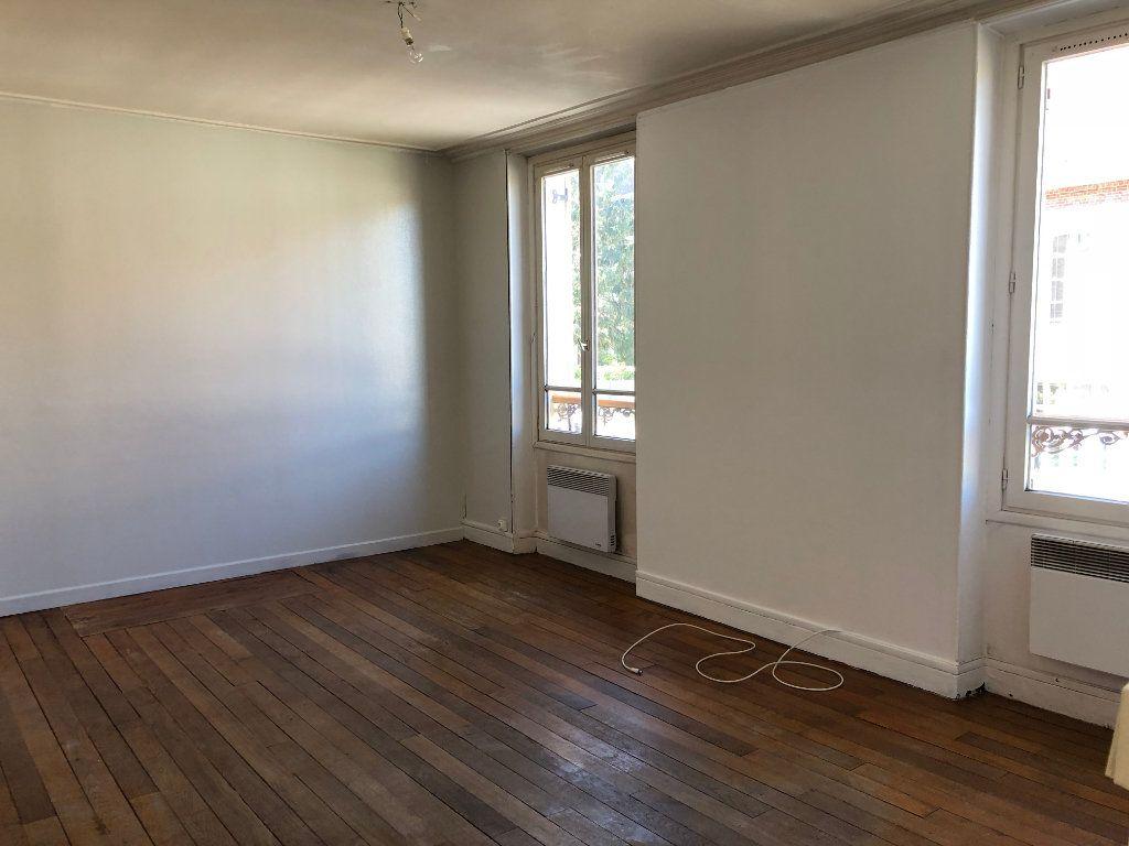 Appartement à louer 3 57.07m2 à Lagny-sur-Marne vignette-1
