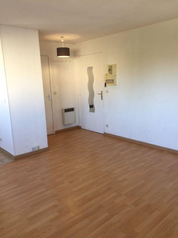 Appartement à louer 1 24.72m2 à Lagny-sur-Marne vignette-3