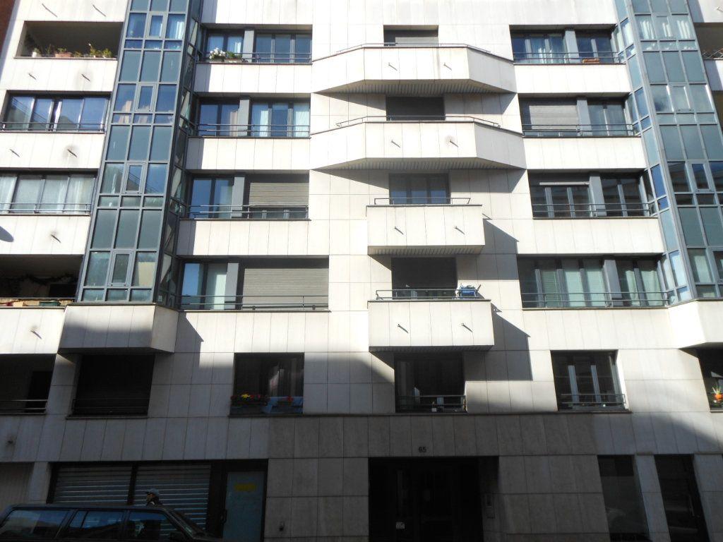 Appartement à louer 2 41m2 à Paris 10 vignette-2
