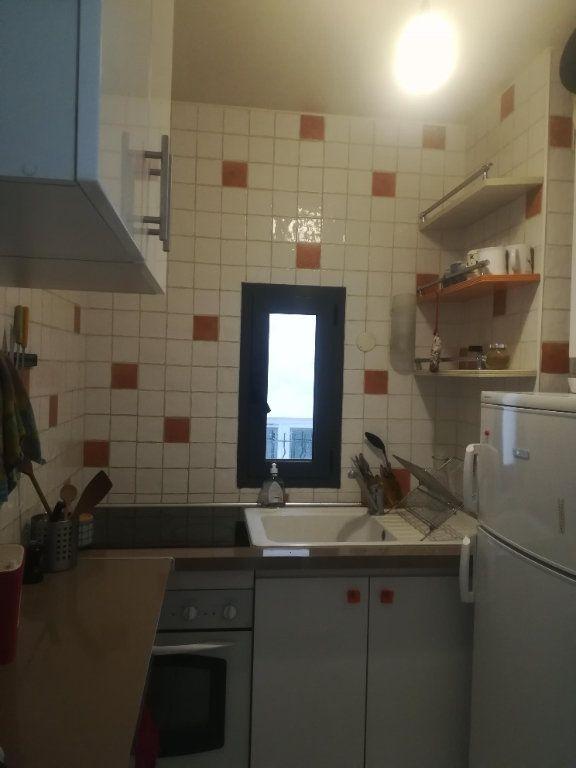 Appartement à louer 2 41m2 à Paris 10 vignette-4
