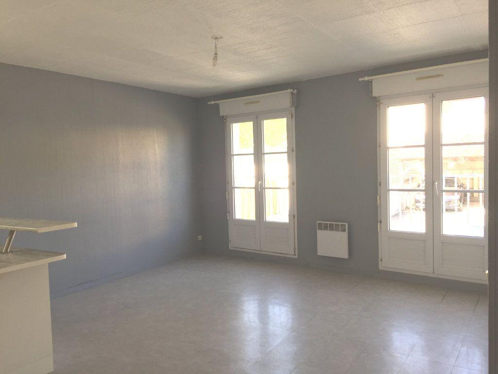 Appartement à louer 2 45.89m2 à Montévrain vignette-2