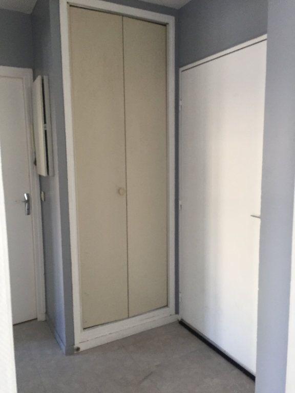 Appartement à louer 2 45.89m2 à Montévrain vignette-5