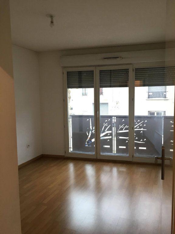 Appartement à louer 3 62.4m2 à Champs-sur-Marne vignette-3