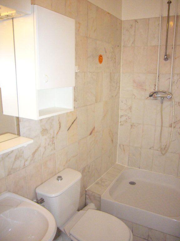 Appartement à louer 2 32.76m2 à Gagny vignette-3